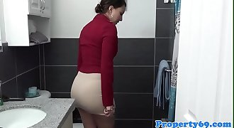 Curvy realtor sucks dick before doggystyle